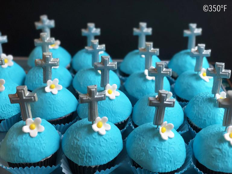 first communion cupcakes with cross topper