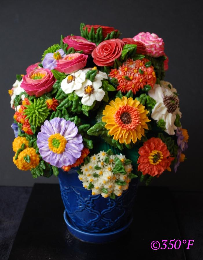 Explore our custom cupcake sets and cupcake bouquets in a variety of themes