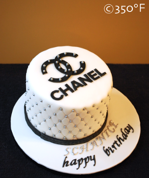 Chanel logo cake for a fashionista's 21st birthday