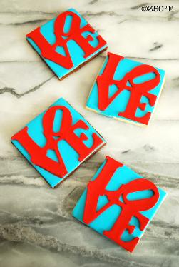 Wedding cookies favors with LOVE sculpture design