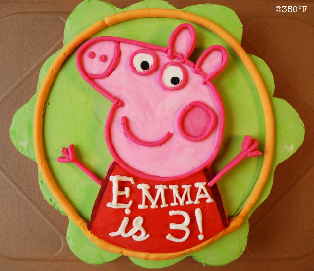 Peppa Pig themed pull apart cupcake platter for a toddler's birthday party